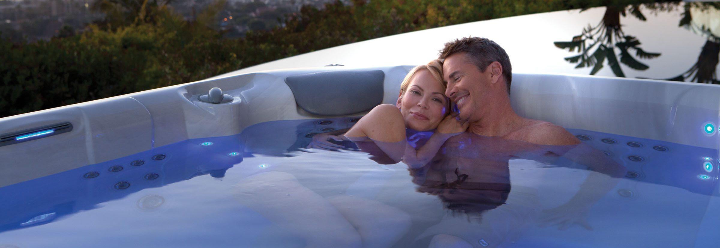 Patarimai Valentino dienai masažiniame baseine